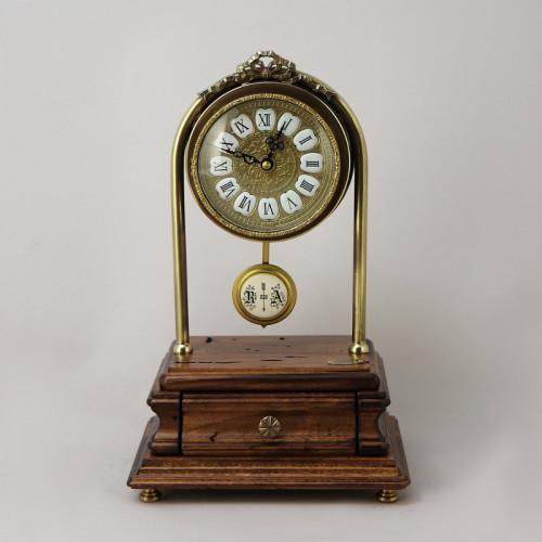 Настольные часы с мини маятником FC-3718