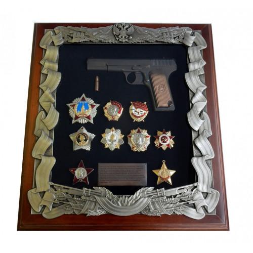 Панно с пистолетом ТТ и наградами ВОВ большое 16-282