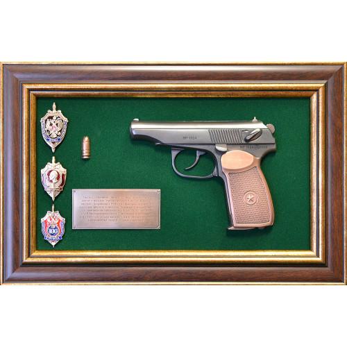 Панно с пистолетом Макаров и знаками ФСБ 18-334